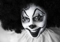 clown-creepy-grinning-facepaint-39242.jpeg