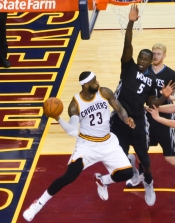 lebron_james_and_gorgui_dieng