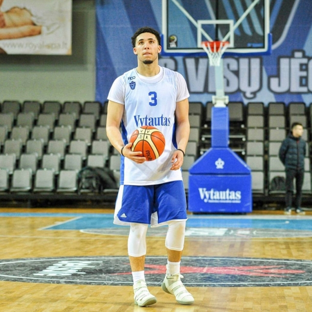 lithuania-liangelo-ball-first-pro-game